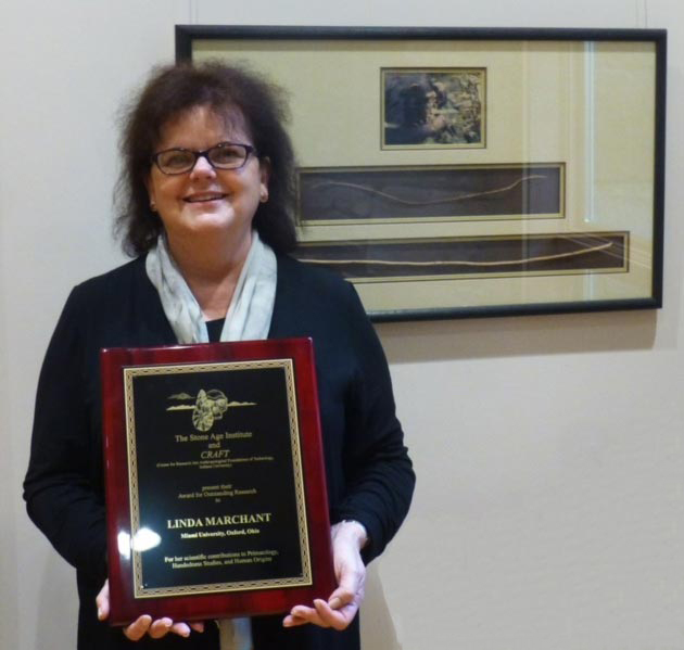 Linda Marchant receives award