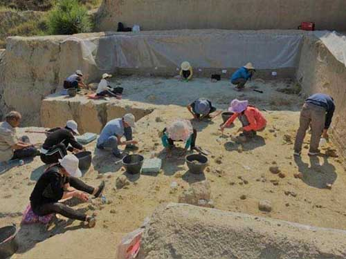 Excavation in the Nihewan Basin, China